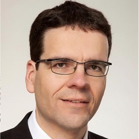 Dr Matthias Kauer